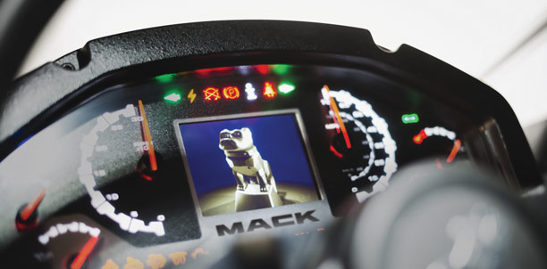 Mack LR Dash Controls